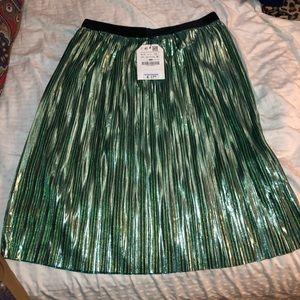Zara girls green metallic skirt size  9-10 years